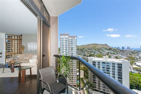 Of Hawaii At Manoa Mba In Real Estate by Luxury Honolulu Hawaii Penthouse For Sale Absolute Real