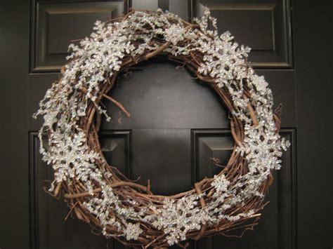 teach craft love winter wreath