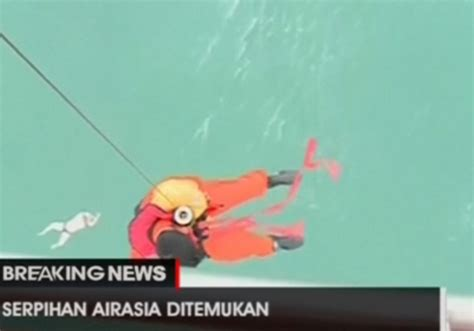 airasia lost and found watch indonesian rescue teams find body of airasia