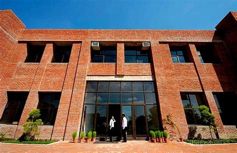 Iilm Noida Mba Fees by Iilm Graduate School Of Management Greater Noida