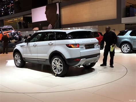 range rover back 2016 2016 range rover evoque rear three quarters leak at the