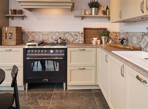 landelijke keukengrepen landelijke keuken met fornuis ideale combinatie van