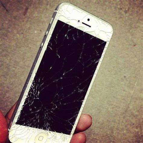 broken iphone 5s lcd screen repair services on cell phones