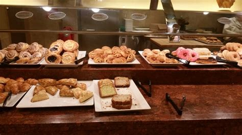 red rock resort s feast buffet hits all the marks on the