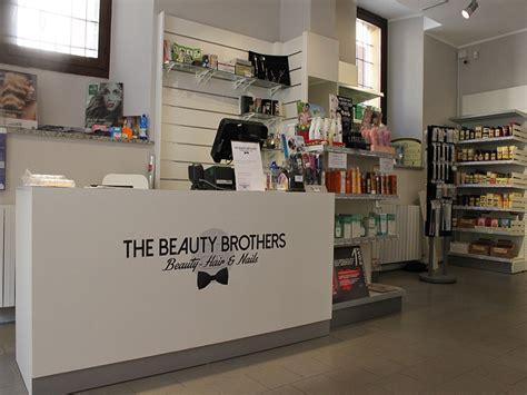 arredamenti negozi parrucchieri arredamento negozio parrucchiere arredo negozi parrucche