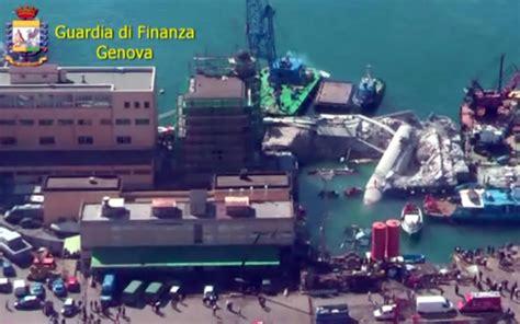 incidente porto genova genova le foto dall alto dopo l incidente al porto foto
