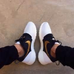 Gold running shoes dope nike roshe run nike roshe run white run
