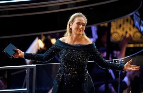 Fabs Oscars Number One And Two And Three by Oscars 2017 Meryl Streep Wore An Elie Saab Gown After A