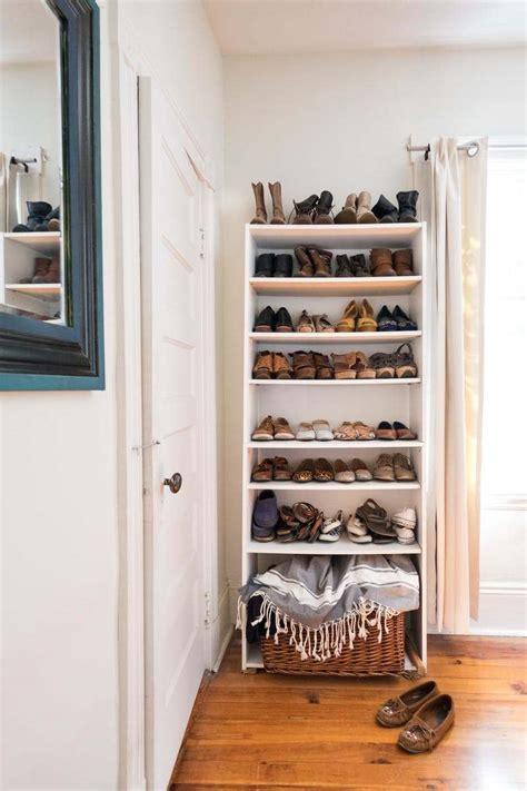 um armario a forma de um 8 formas de organizar o quarto sem usar arm 225 rios e guarda