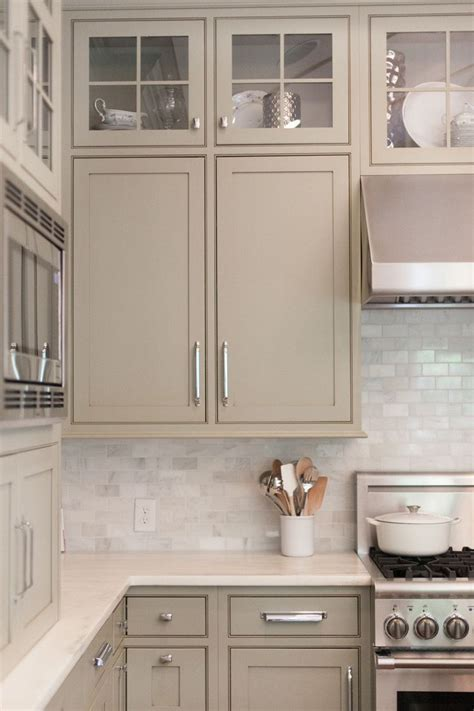 White Kitchen Backsplash Like The Cabinet Color Too White Kitchen Cabinet Colors