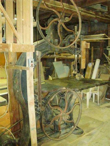 seeking vintage cast iron band  frame  english wheel