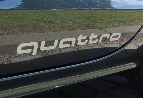 """Audi Original Aufkleber Set """"quattro """" in Florettsilber"""