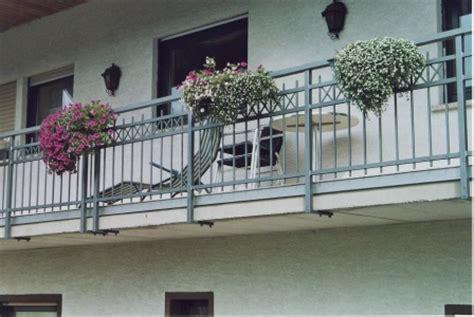 Zink Nägel by Gel 228 Nder Gel 228 Nder Verzinkt An Einem Balkon Als