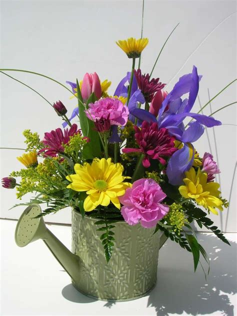fresh flower arrangement grand rapids florists floral design flowerland