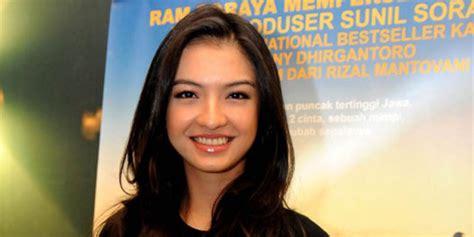 film cinderella berbahasa indonesia bintangi 5 cm raline shah kesulitan berbahasa indonesia
