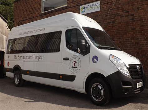 renault master minibus candrive easyon 17 seat 6 wheelchair renault master