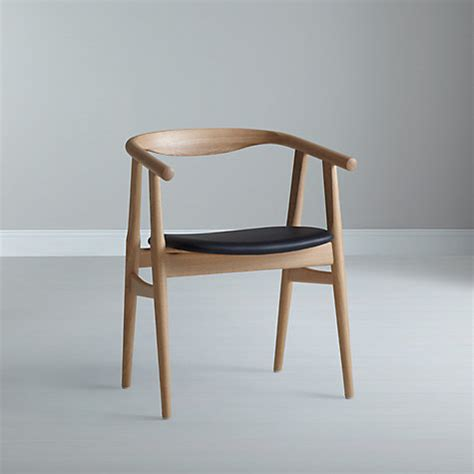 The Chair In by Buy Hans J Wegner The Quot U Quot 525 Chair Lewis