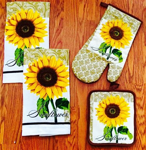 sunflower kitchen best 25 sunflower kitchen decor ideas on