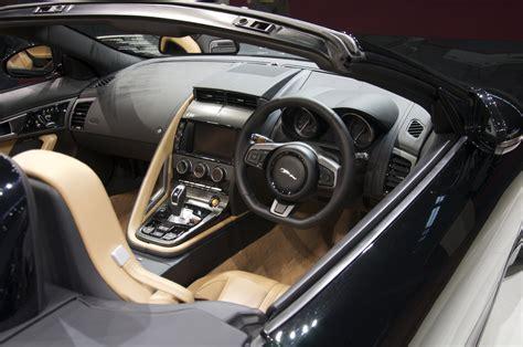 file jaguar f type interior jpg wikimedia commons