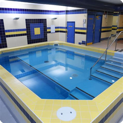 hydrotherapy pools david hallam  uk swimming pool