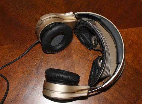 Headset Lunar gadgets gizmodo cz