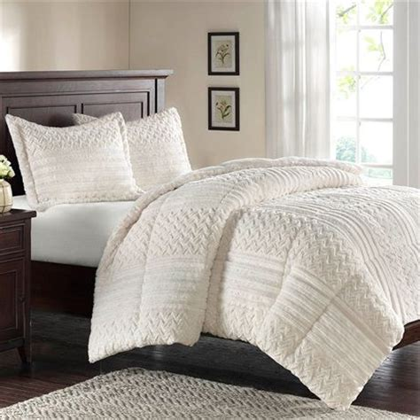 faux down comforter 17 best images about my bedroom on pinterest quilt sets