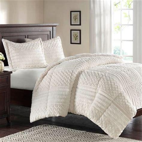 fluffy comforter sets 17 best images about my bedroom on pinterest quilt sets