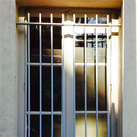 Grille De Defense Pour Porte grille de d 233 fense protection fen 234 tre alu et fer forg 233