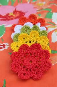 Crochet flower coasters alipyper