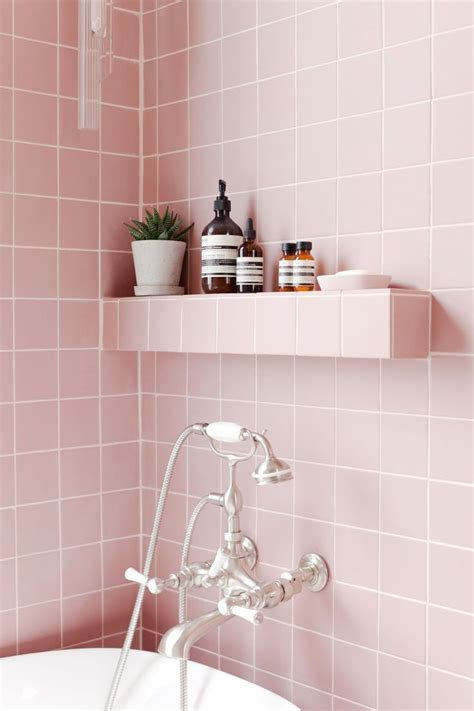 pink tile bathroom ideas best 25 pink bathrooms ideas on pink