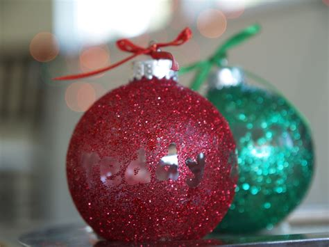 diy make a personalized glitter ornament