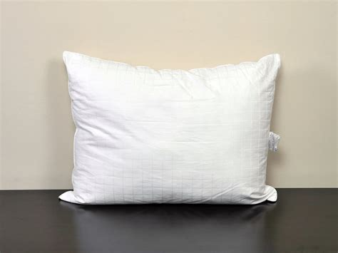 best bed pillow reviews best bed pillow reviews pillows review 28 images