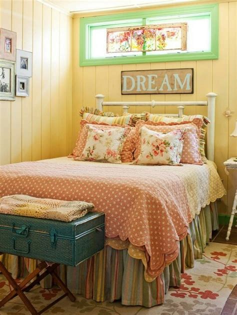 Cottage Bedroom Colors by Country Bedroom Design Ideas