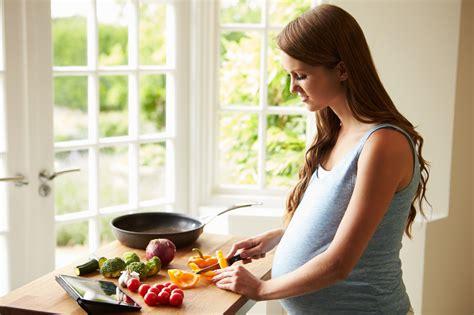 alimentazione per donne incinte gravidanza e alimentazione il decalogo per ridurre i rischi