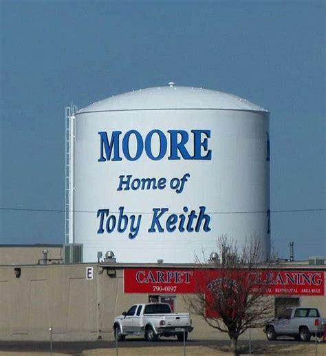 toby keith kansas toby keith water tower moore oklahoma home town oklahoma