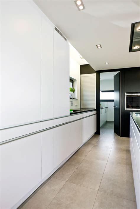 küche weiß matt grifflos sch 246 ne farbkombinationen f 252 r w 228 nde