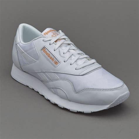 Sepatu Merk Reebok sepatu sneakers reebok cl arch white