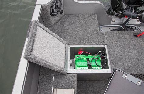 boat battery storage 1600 vision tiller crestlinerboats