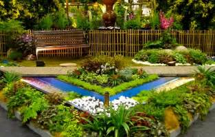 Small Easy Garden Ideas Triyae Easy Backyard Flower Gardens Various Design Inspiration For Backyard