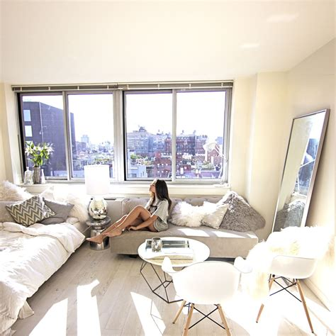 decorating studio apartment love the simplicity and the way that it is minimalist but
