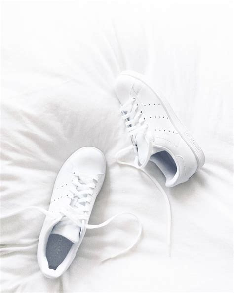 aesthetic white best 25 white aesthetic ideas on white aesthetic photography white feed and pale