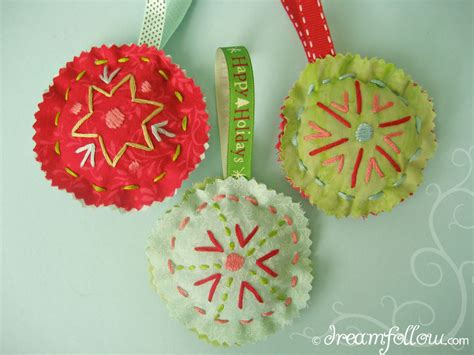 Easy Handmade Ornaments - dear tracks ornaments