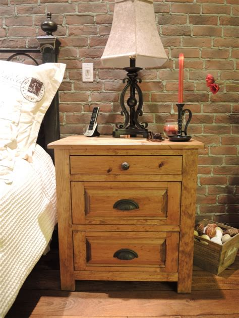 table de nuit en pin armoire en pin et table de nuit atelier meuble rustique