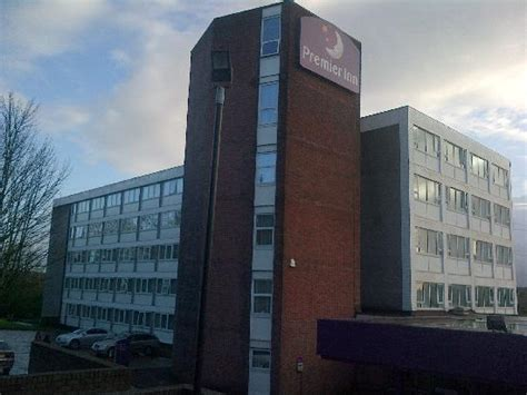 premier inn cardiff 301 moved permanently