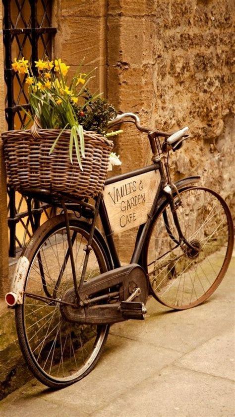 Retro Gartendeko by Das Retro Fahrrad Ist Schon Modern Fahrr 228 Der