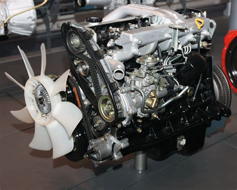 Toyota Engines File 1989 Toyota 1hd T Type Engine Front Jpg Wikimedia