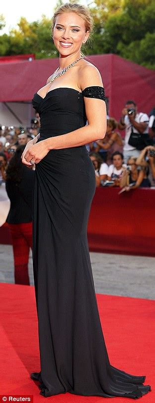 scarlett johansson clothes outfits steal her style scarlett johansson at venice film festival premiere of