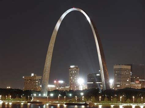 gateway arch st louis gateway arch at night a photo on flickriver