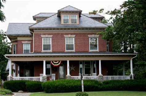 the american foursquare prairie and craftsmen styles