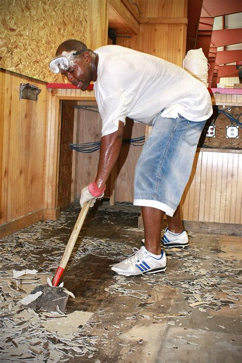 How To Remove Vinyl Flooring From Concrete by File Us Navy 090829 N 1783p 003 Chief Ship S Serviceman